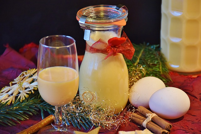 vaječný likér, dárková sklenice